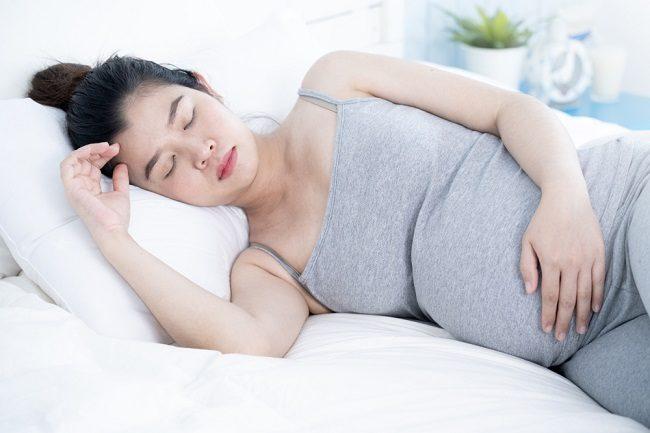 Benarkah Ibu Hamil Dilarang Tidur di Pagi Hari? - Alodokter