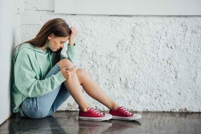 Yuk, Kenali Penyebab dan Gejala Depresi pada Remaja - Alodokter