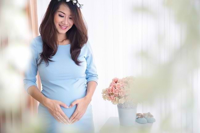 Cara Praktis Menjaga Kehamilan Muda Tetap Sehat - Alodokter