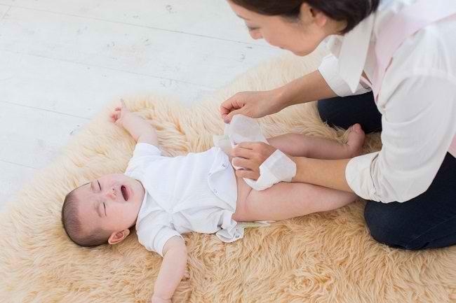 Penyebab Diare pada Bayi dan Cara Menanganinya - Alodokter