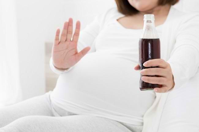Amankah Minum Soda saat Hamil? - Alodokter