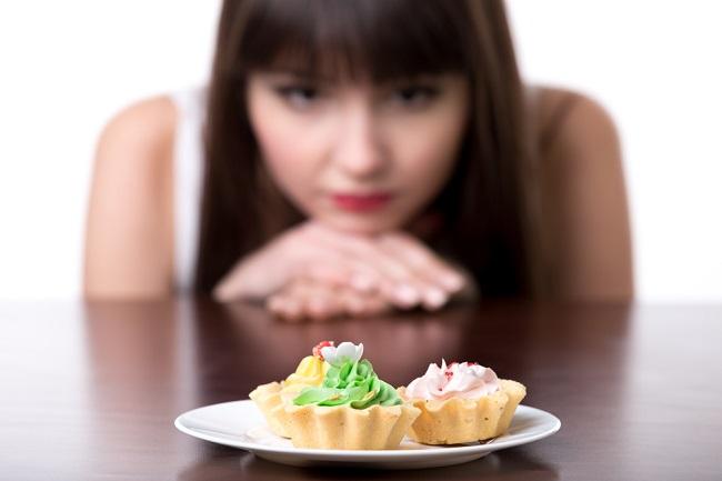 Inilah Daftar Makanan yang Harus Dihindari saat Diet - Alodokter