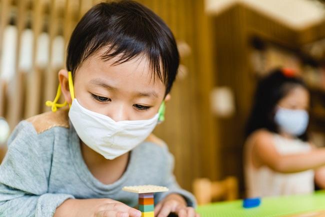 Kiat Menitipkan Anak di Daycare Saat Pandemi COVID-19 - Alodokter