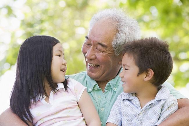Manfaat Berpelukan untuk Kesehatan dan Kebahagiaan yang Sayang Dilewatkan - Alodokter
