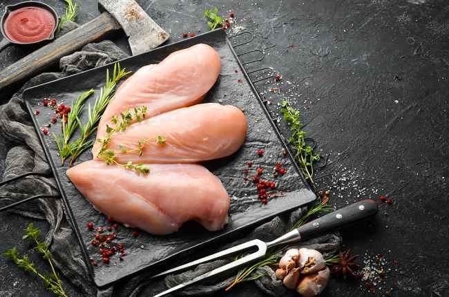 Kandungan Nutrisi Dada Ayam dan Manfaatnya bagi Kesehatan - Alodokter