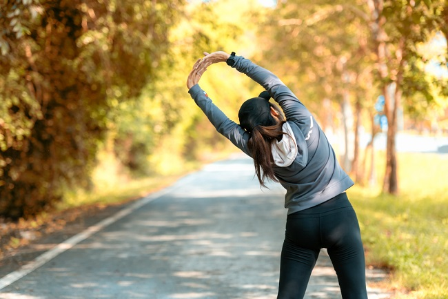 Stretching: Jenis dan Manfaatnya bagi Tubuh - Alodokter