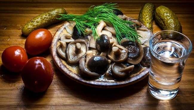 Ketahui Jenis Makanan Penyebab Sakit Kepala - Alodokter