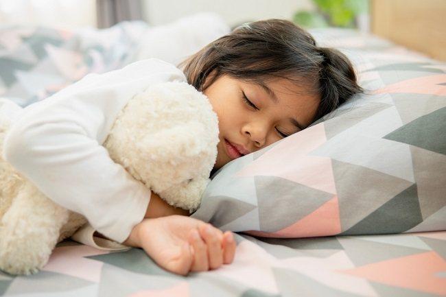 Ketahui Cara Melatih Anak Tidur Sendiri - Alodokter