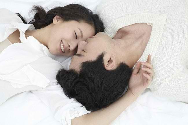 Fakta-Fakta tentang Berhubungan Seks Saat Menstruasi - Alodokter