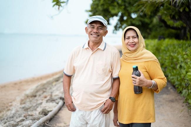 Cara Menikmati Masa Pensiun yang Indah - Alodokter