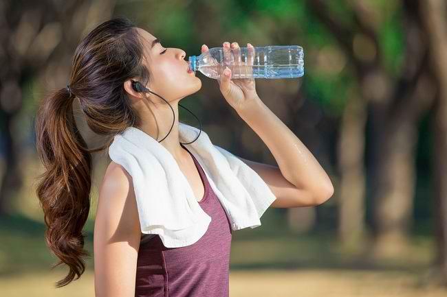 Mengenal Berbagai Jenis Elektrolit dalam Tubuh dan Manfaatnya - Alodokter