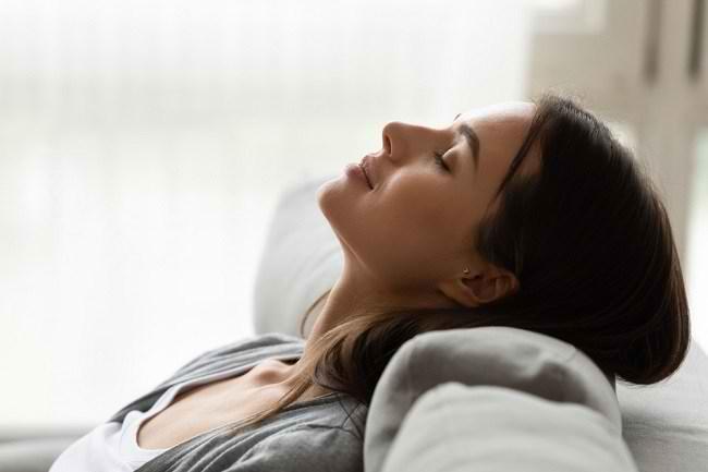Inilah 5 Manfaat Tidur Siang bagi Kesehatan Tubuh - Alodokter