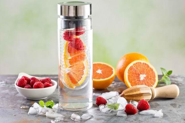Tak Hanya Menyegarkan, Inilah 4 Manfaat Infused Water untuk Kesehatan - Alodokter
