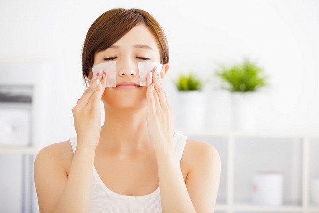 Kertas Minyak Saja Belum Cukup untuk Merawat Wajah Berminyak - Alodokter