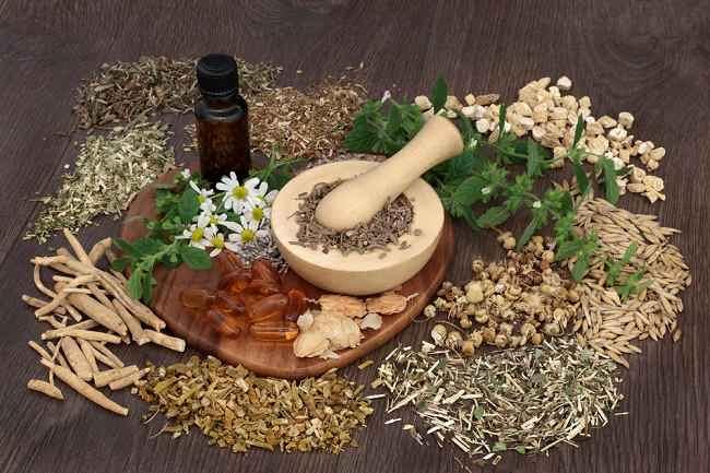 Cara Mengonsumsi Obat Herbal dengan Aman - Alodokter