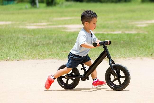Balance Bike untuk Anak, Sekadar Tren atau Ada Manfaatnya? - Alodokter