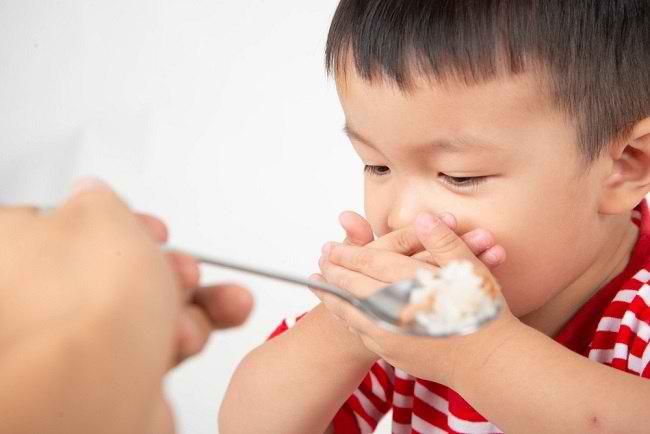 Penyebab Anak Susah Makan dan Cara Mengatasinya - Alodokter