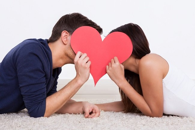 Manfaat dan Cara Berciuman yang Perlu Anda Ketahui - Alodokter