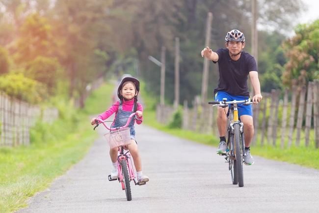 Peran Ayah dalam Mendidik Anak Perempuan - Alodokter