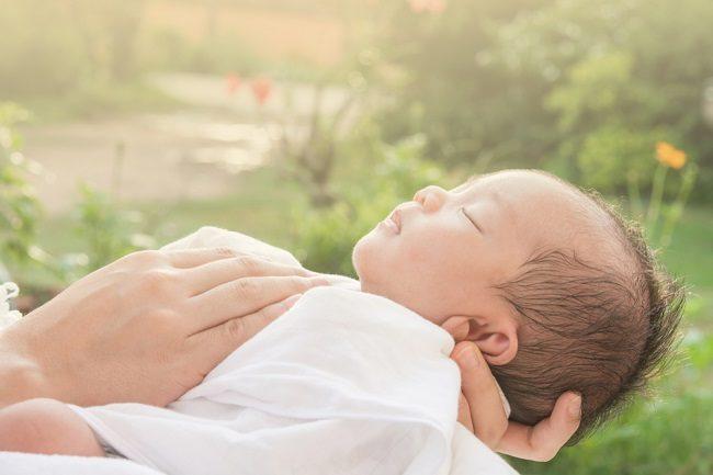 Haruskah Bayi Baru Lahir Dijemur Setiap Hari? - Alodokter