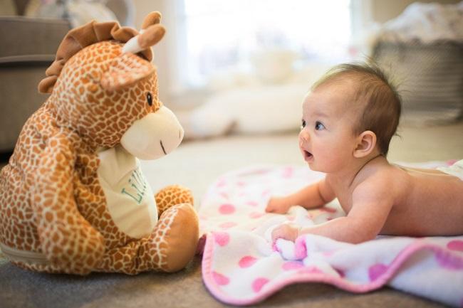 Manfaat Tummy Time pada Bayi dan Cara Melakukannya - Alodokter