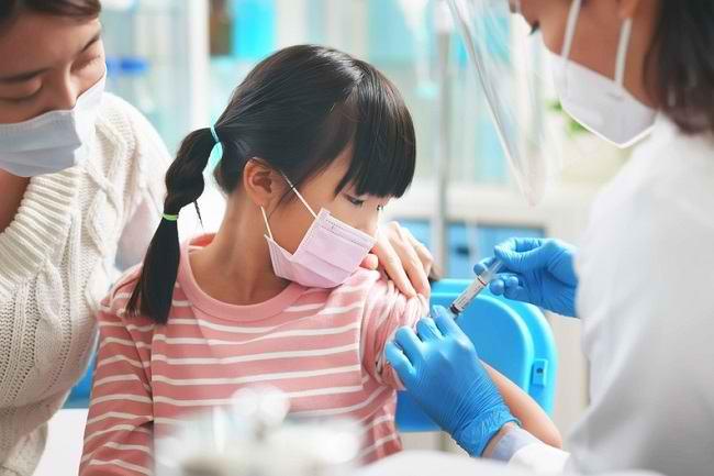 Info Seputar Vaksin COVID-19 untuk Anak-Anak - Alodokter