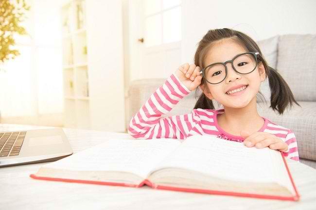 Mata Plus pada Anak Kecil - Alodokter