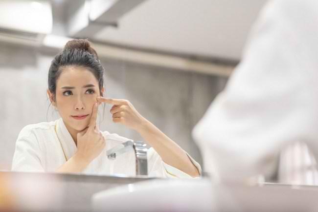 6 Cara Menghilangkan Komedo yang Mengganggu Penampilan - Alodokter