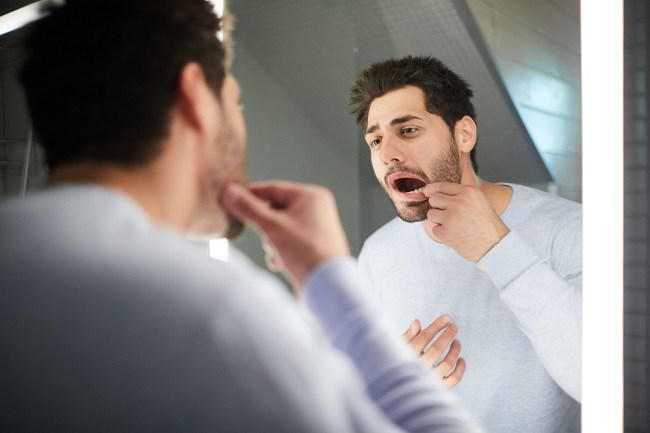 Penyebab Gigi Susu Belum Tanggal Saat Dewasa dan Cara Menanganinya - Alodokter