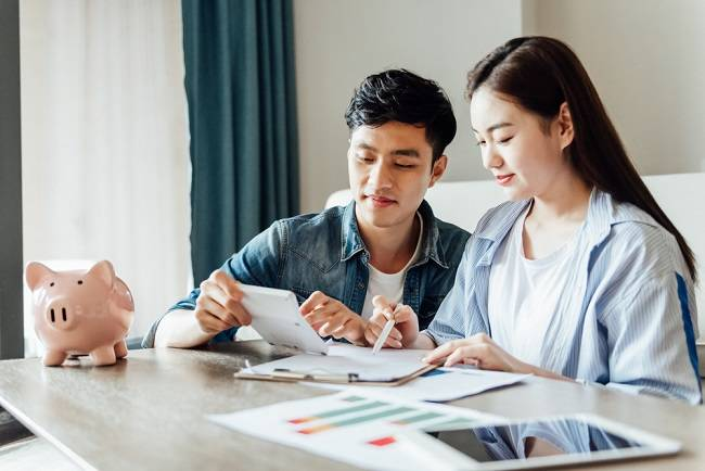 Tips Mengatur Keuangan Keluarga Setelah Punya Anak - Alodokter