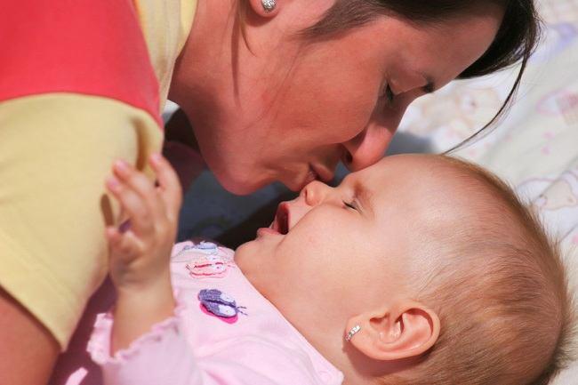Amankah Menyedot Ingus Bayi dengan Mulut? - Alodokter
