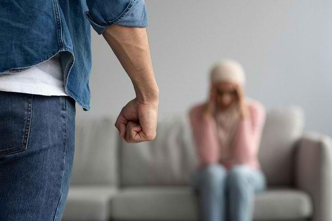 Mengenal Misoginis, Seseorang yang Membenci Wanita secara Ekstrem - Alodokter