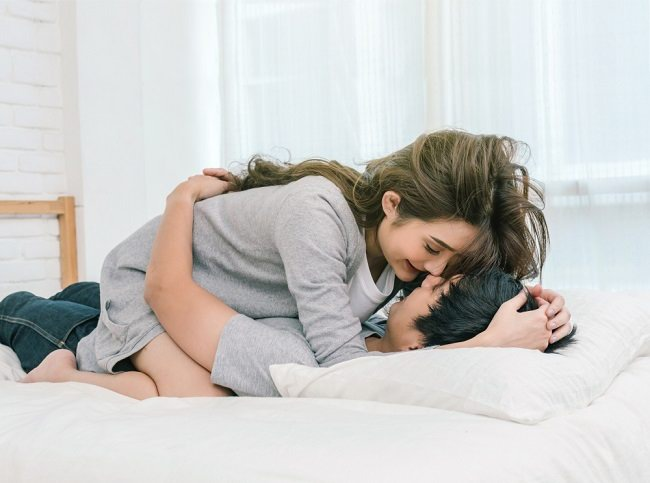 Cara Meningkatkan Gairah Seksual pada Wanita - Alodokter