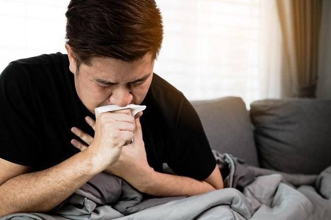 bronkitis, gejala, penyebab, cara mencegah, cara mengobati, komplikasi, alodokter