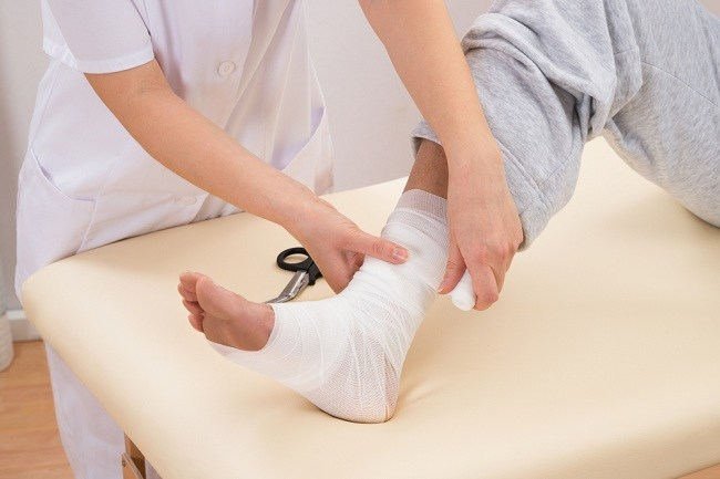 Sprains and strains - alodokter