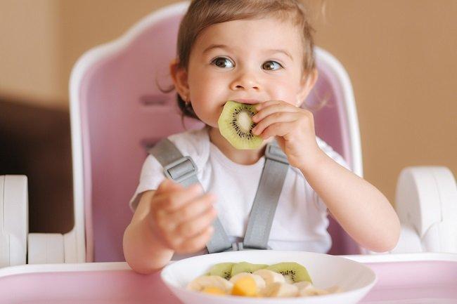 Amankah Memberikan Kiwi kepada Bayi dan Apa Manfaatnya? - Alodokter