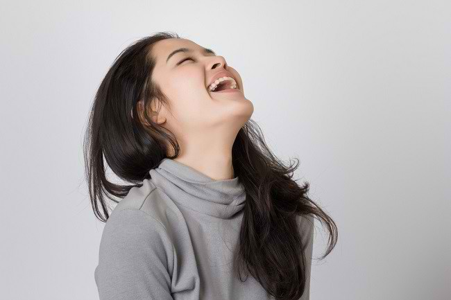 Ketahui Alasan Kenapa Tertawa Bisa Menghapus Stres - Alodokter