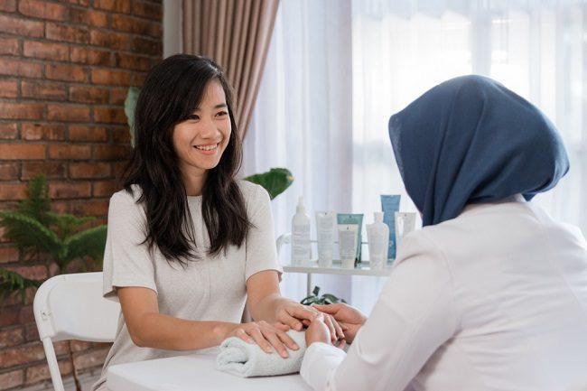 6 Dokter Spesialis Kulit di Jakarta yang Paling Populer di Alodokter - Alodokter