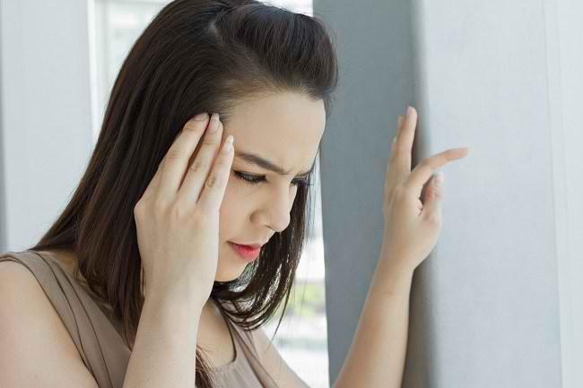 Perbedaan Migrain dengan Aura dan Tanpa Aura - Alodokter