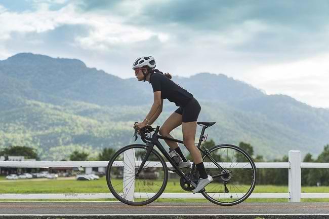 5 Manfaat Bersepeda bagi Kesehatan Tubuh - Alodokter