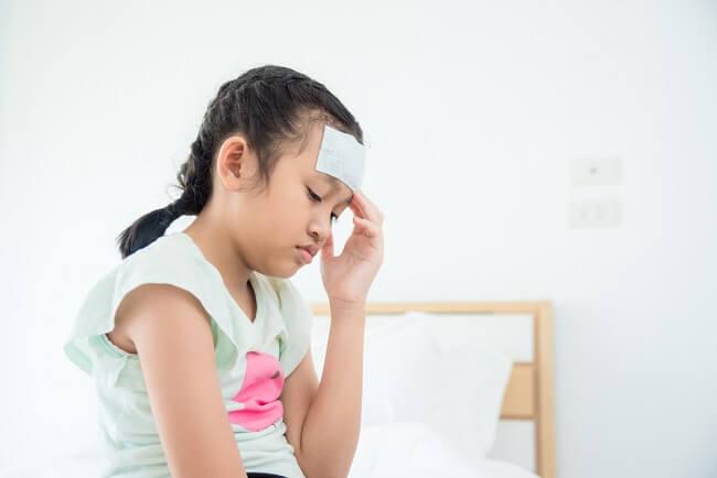 Tunda Imunisasi Anak jika Ia Mengalami Ini - Alodokter
