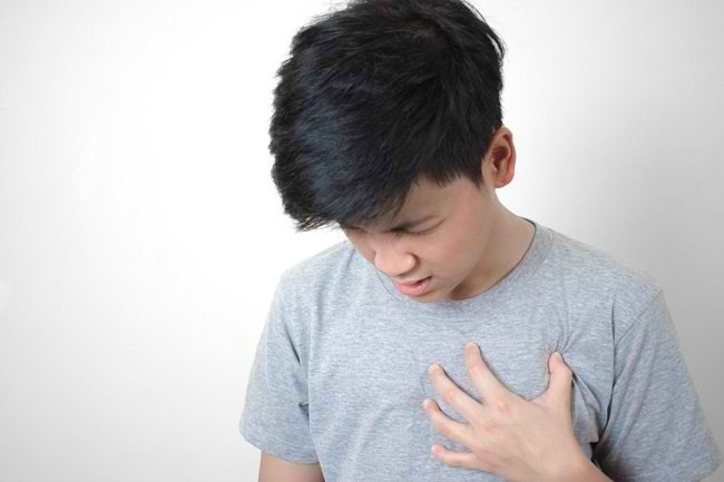 Kenali 6 Penyebab Sakit Dada Sebelah Kiri Beserta Gejalanya - Alodokter