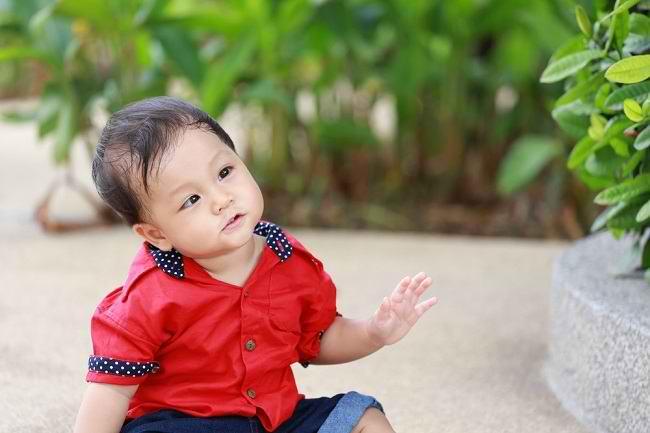 Kenali Gejala Mata Juling pada Anak dan Cara Mengatasinya - Alodokter