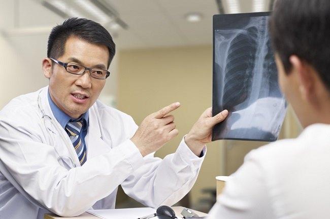 Beragam Masalah Kesehatan yang Ditangani Dokter Penyakit Dalam - Alodokter
