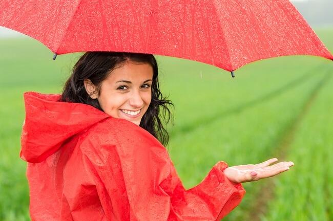 Kamu Jadi Mudah Sedih atau Stres Saat Musim Hujan? Coba Lakukan Ini - Alodokter