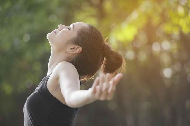 Usir Bad Mood dengan Sederet Mood Booster Andalanmu - Alodokter