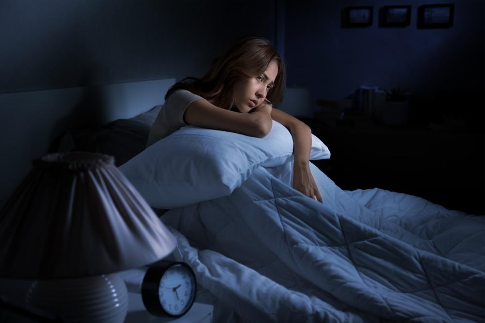 ไขข้อข้องใจ ทำไมชอบตื่นกลางดึก