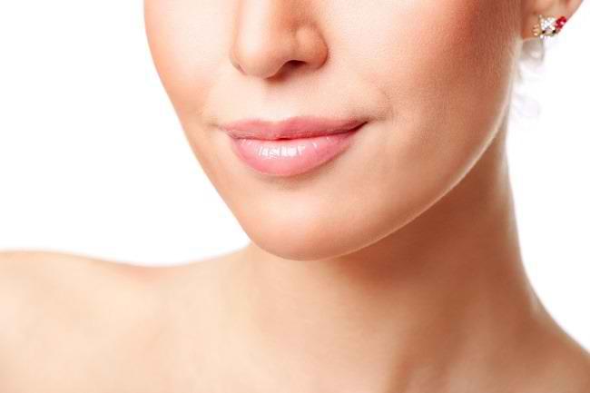 6 Cara Memerahkan Bibir Secara Alami - Alodokter