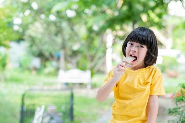 Manfaat Cemilan Baik untuk Kesehatan Anak dan Pilihannya - Alodokter