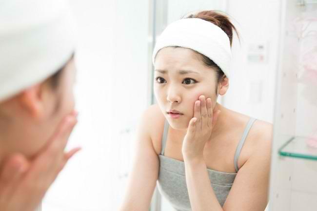 Pahami 5 Penyebab Kulit Wajah Mengelupas dan Cara Mengatasinya - Alodokter